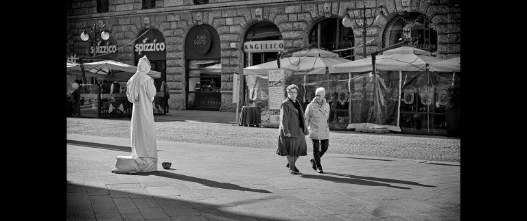 Life in Milan's streets (Italy, 203)