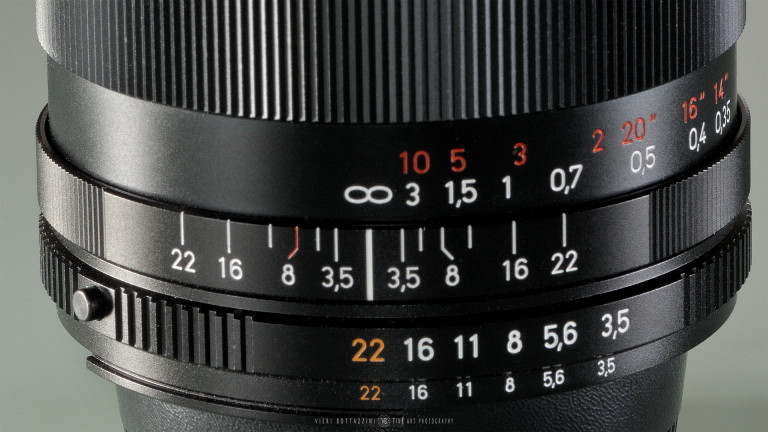 The DOF scale on the Zeiss 18mm f/3.5